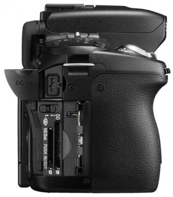 Sony Alpha DSLR-A560 - Right Side
