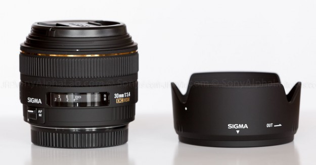 Sigma 30mm f/1.4 EX DC Lens Review