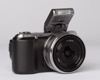 Sony Nex-C3 - 16mm Pancake lens - Flash Attached