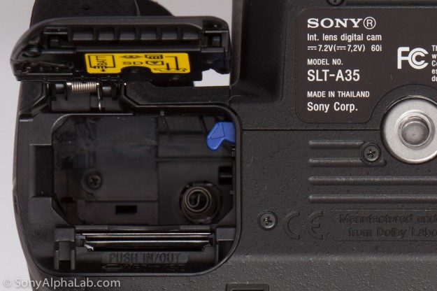 Sony Alpha 35 - Battery annd Memory Card Compartment
