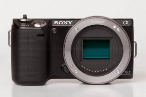 Sony Nex-5n w/ 18-55mm lens - Body Only Head On
