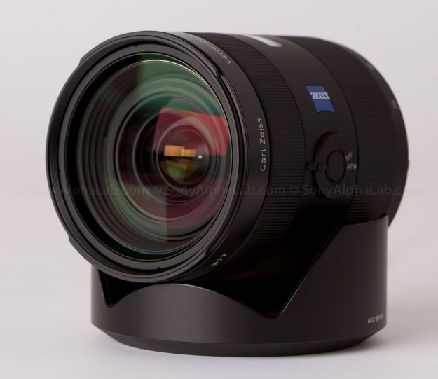 Sony 24-70mm f/2.8 Carl Zeiss Lens