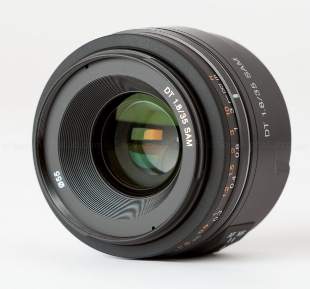 Sony DT 35mm f/1.8 Lens