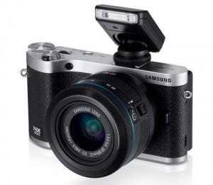 Samsung NX300 Mirrorless Digital Camera with 20-50mm F/3.5-5.6 ED II Lens