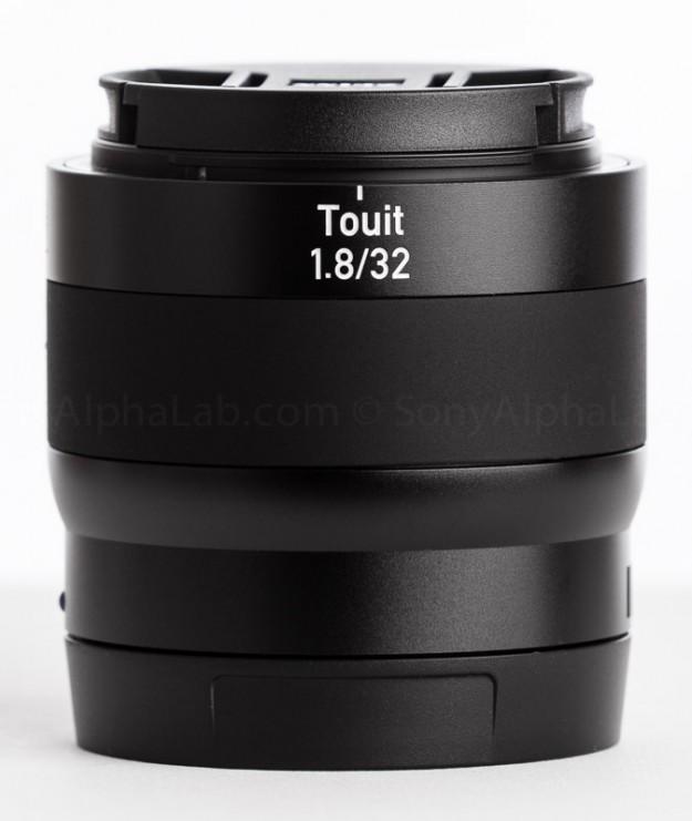Zeiss Touit 32mm f/1.8 Lens (Sony E-Mount)