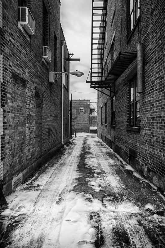 Alley - Sony Nex-6 and 18-55mm kit lens