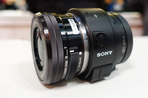 Sony ILCE-QX1 Mirrorless Lens-Style Digital Camera