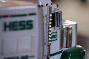 f/4, ISO 8000, Focus on Truck
